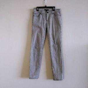 Forever 21 Woman Black & White Pants 26